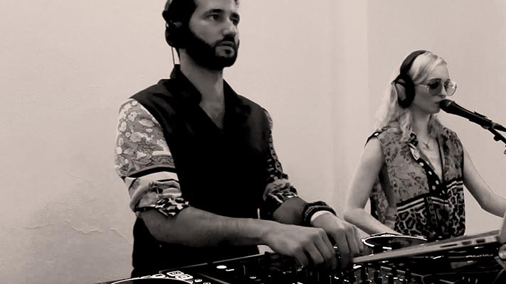 dj-plus-sängerin-ian-sky-und-julia-hofstetter-tonestylers-münchen
