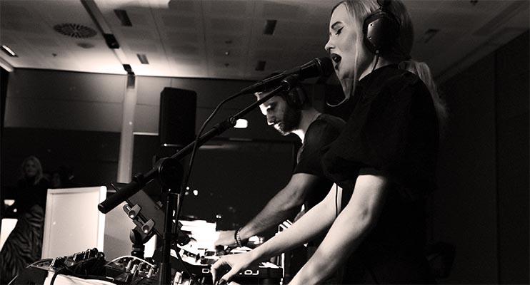 dj-und-live-gesang-julia-hofstetter-ian-sky-münchen