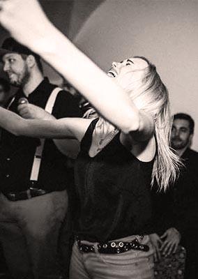 julia-hofstetter-live-sängerin-hochzeit-firmenevent-party-tonestylers